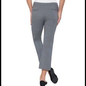 Max & Mia Jeans - NWT Max & Mia Capri Dress Pull On Pants. Grey. M